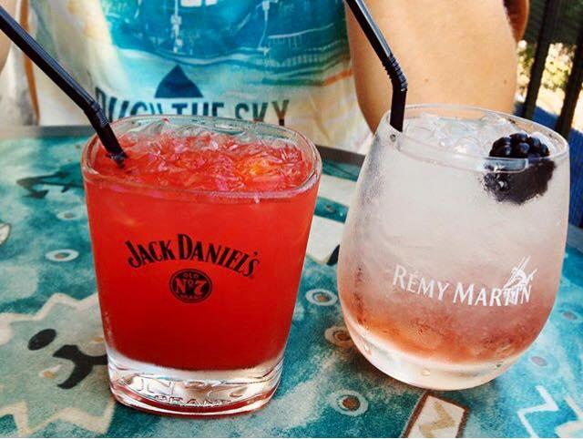 Les cocktails signature de la caravelle, votre bar restaurant sur le vieux port à marseille