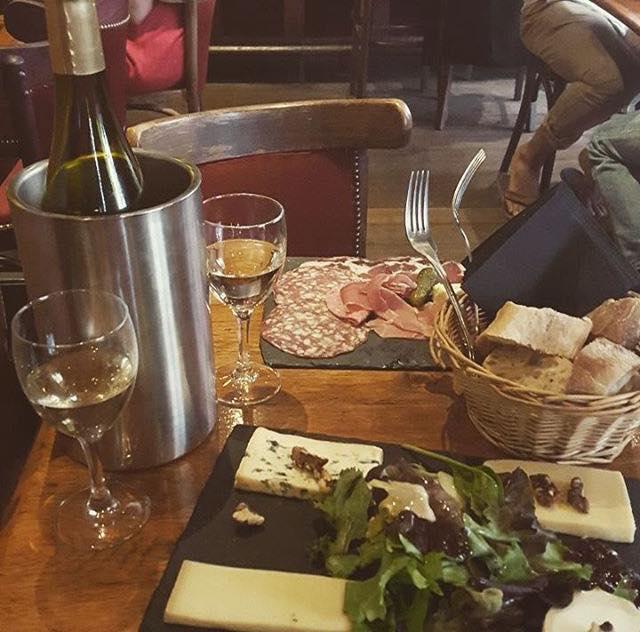 testez les vins blancs de la Caravelle